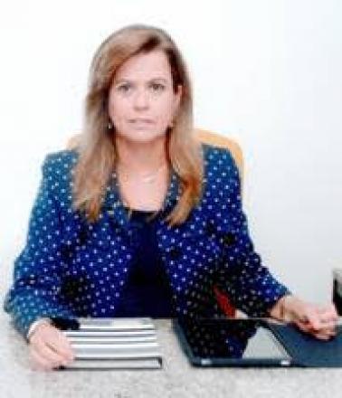 Amores Proibidos - As memórias póstumas e glamourosas de Nanda (Portuguese Edition)