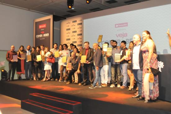 2094b7af6 A premiação elegeu os melhores da gastronomia baiana no lançamento do  principal guia gastronômico do país. (Crédito  Divulgação)