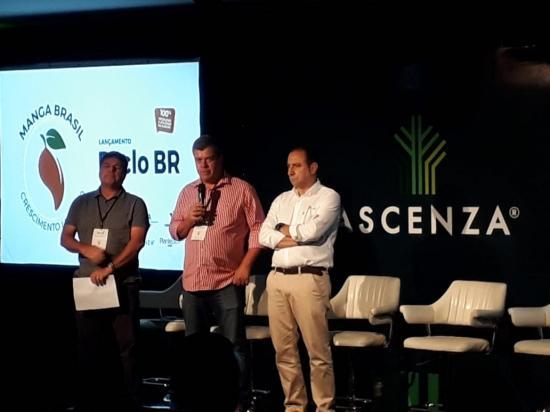 61d09203f5 Caio Coelho – Vice Presidente da Valexport, Luis Roberto – Presidente da  ABRAFRUTAS e Sr. Manuel Coelho – Diretor Geral Ascenza. (Crédito:  Divulgação)
