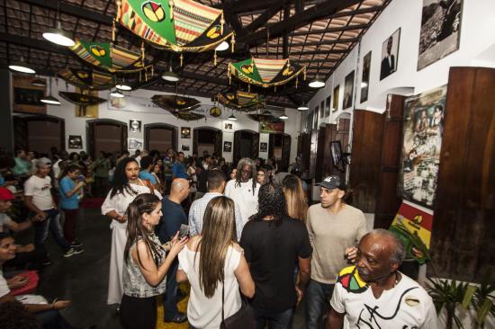5d2dcb6dc19 Durante os dias da 2ª Festa Literária Internacional do Pelourinho - FLIPELÔ